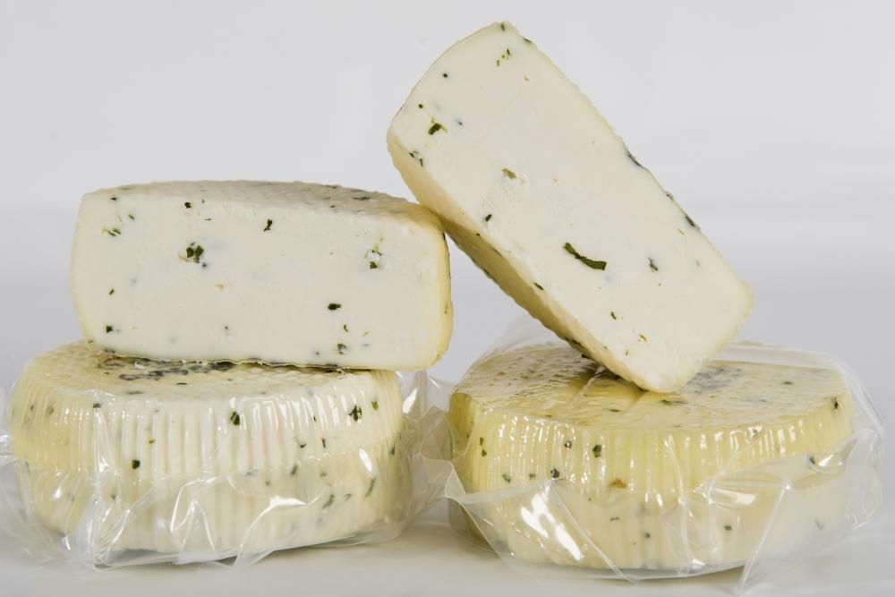 formaggio caciotta erba cipollina
