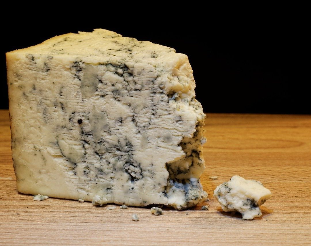 mold cheese 933309 1280